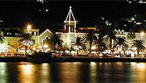 Makarska v noci